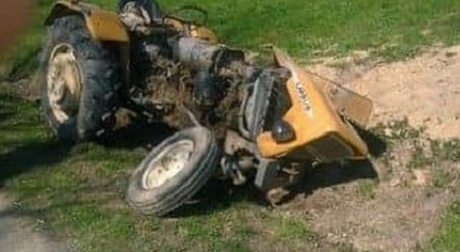 Wywrotka traktorem, rolnik w szpitalu