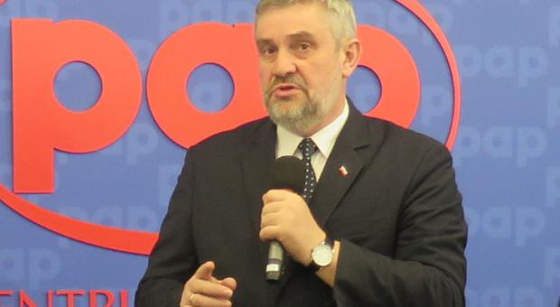 Ardanowski o proj. ustawy o minimalnej odległości ferm od zabudowań mieszkalnych: rozsądna propozycja