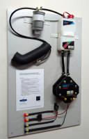 Instalacja HHO-Power jest prosta – składa się m.in. z reaktora, zbiornika na elektrolit, filtra gazu, wezy i wiazki elektrycznej, fot. M. Wasak