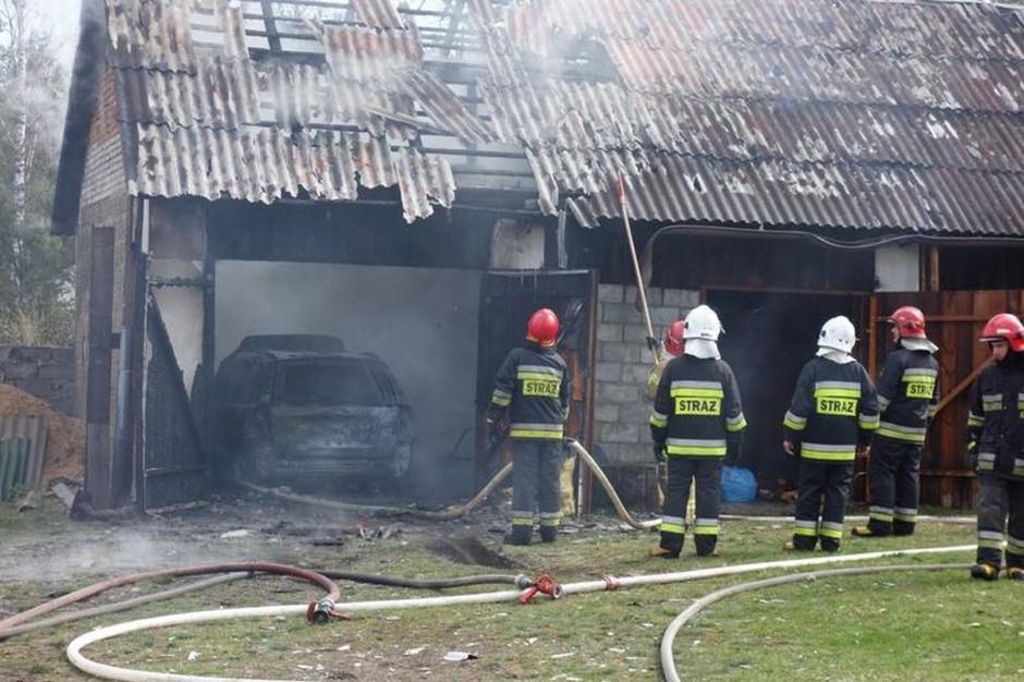 Zwarcie w instalacji elektrycznej było przyczyną pożaru stodoły w miejscowości Wąsosz, fot. Straż Pożarna