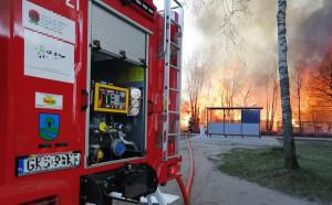 Pożar gasiły 24 zastępy strażaków z Pomorza