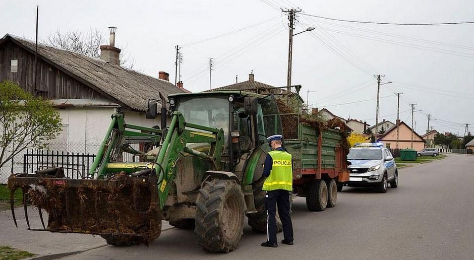 Zarządca drogi może wyłączyć pojazdy rolnicze spod ograniczeń wjazdu na drogi publiczne