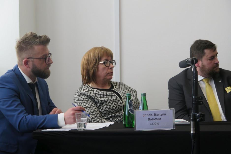 (od lewej) dr Mirosław Banaszak z UTP w Bydgoszczy, dr hab. Martyna Batorska z SGGW i dr. hab. Marek Adamski - prof. nadz. UTP w Bydgoszczy