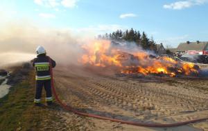 Siano spłonęło doszczętnie     Foto:  KP PSP Złotów