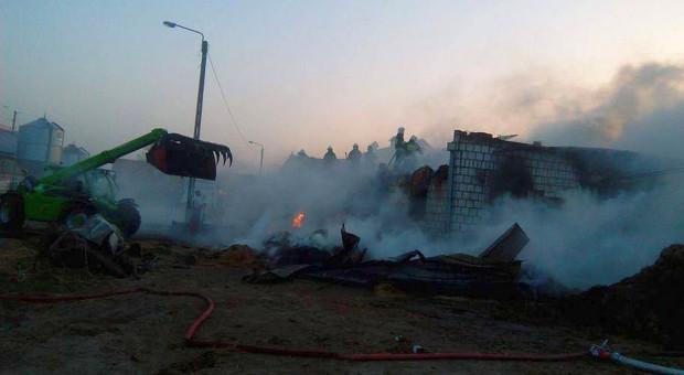 Prawie dobę strażacy gasili gospodarstwo na Podlasiu. Milionowe straty