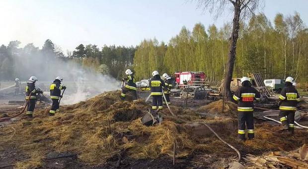 W jednej wsi płonęły cztery gospodarstwa. Ogromne straty