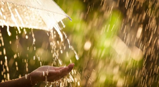 IMGW: intensywny deszcz w południowej i centralnej Polsce
