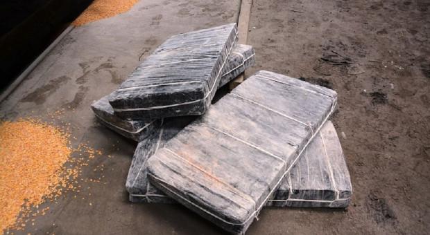 Papierosy przemycane w ziarnie z Ukrainy