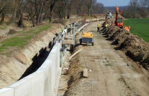 Inwestycja obejmuje również modernizację istniejących wałów w dolinie Odry, zdjęcia: RZGW Wrocław