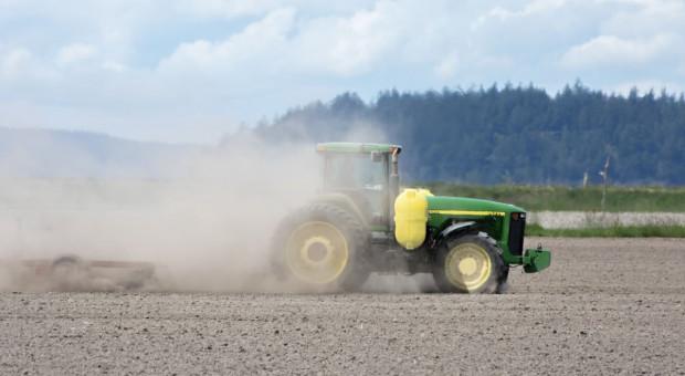Izby rolnicze apelują o działania rządu i zmiany przepisów w związku z suszą