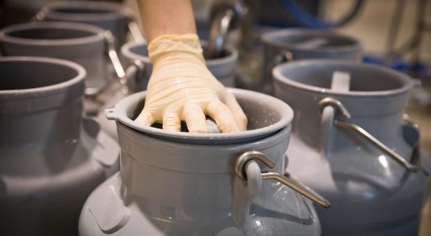 Fonterra: Producenci dostarczają mniej mleka, ale eksport rośnie