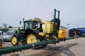Wyposażone w specyficzne rozpylacze opryskiwacze Danfoil umożliwiają wykonanie oprysku przy dawce cieczy wynoszącej zaledwie 30-50 l/ha