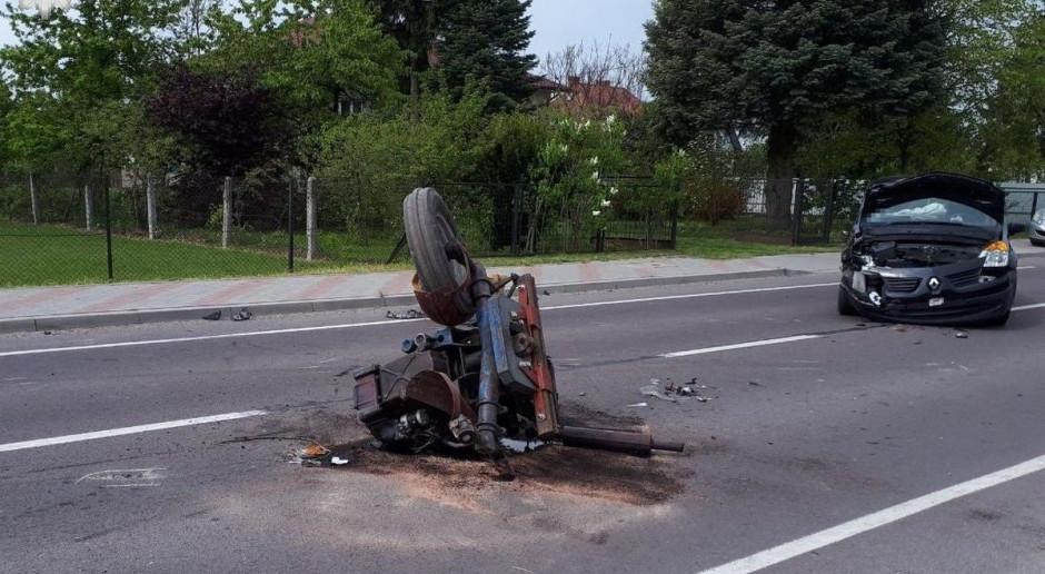 Zderzenie samochodu z ciągnikiem – ranny traktorzysta