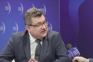 Tobiszowski: inwestycje w OZE w Polsce muszą przyspieszyć