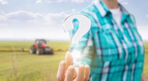 Czy rolnik ma obowiązek zapłaty PCC zakupując samochód osobowy?