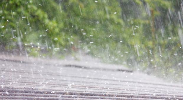IMGW: Burze i burze z gradem w róznych częściach kraju