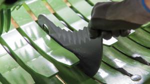Łatwy dostęp do noży pozwoli zaoszczędzić sporo czasu, szczególnie kiedy prasujemy głównie na glebach mineralnych i mocno zakamienionych, kiedy to noże tępią się bardzo szybko