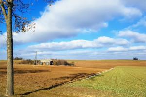 Kiedy rolnik może nabyć nieruchomość w trybie bezprzetargowym?