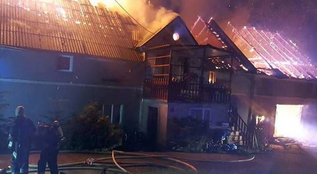 Spłonął dom czterech rodzin