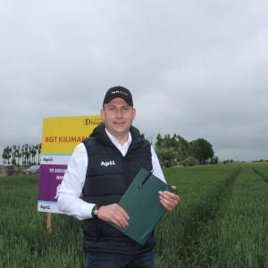 Dr Marek Reich – Menedżer ds. badań i rozwoju w firmie Agrii, opiekuje się doświadczeniem założonym na polach w Gajewie Fot. A. Kobus