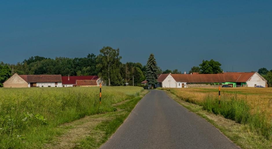 Wielkopolskie: dofinansowanie na drogi i placówki wsparcia