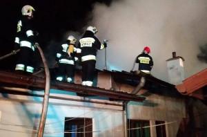 W akcji gaśniczej wzięły udział 4 zastępy strażaków