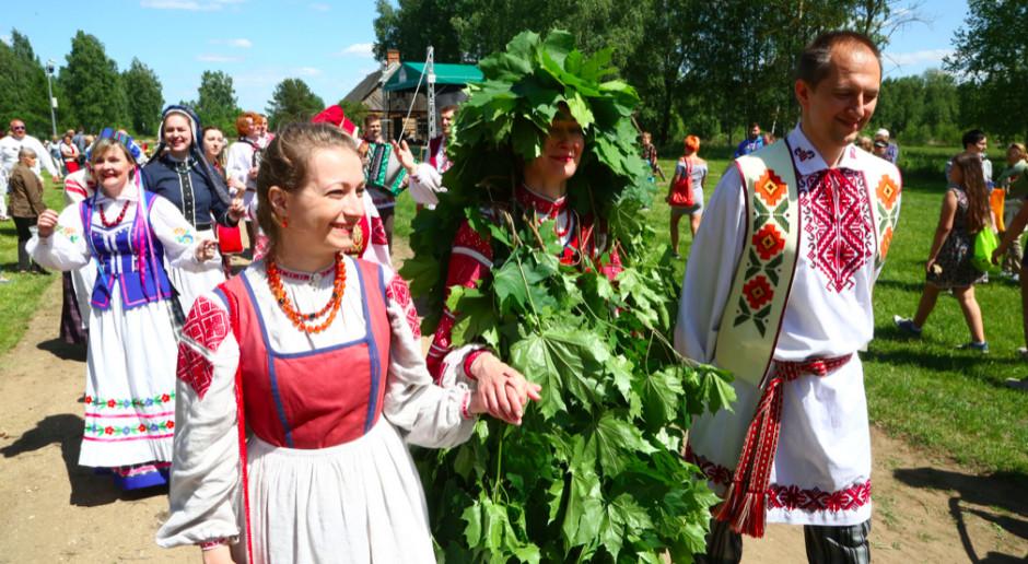 Podlaskie tradycje na festynach w muzeach-skansenach w regionie