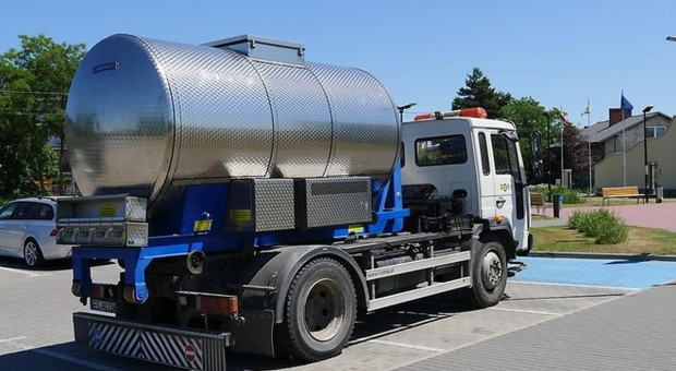 Brakuje wody w Skierniewicach – zakazy dla rolników i działkowców