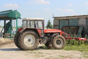 Oczywiście w takim gospodarstwie nie może też zabraknąć starszych maszyn, jak np. Zetor 16245, czy Ursus C-330, fot.kh