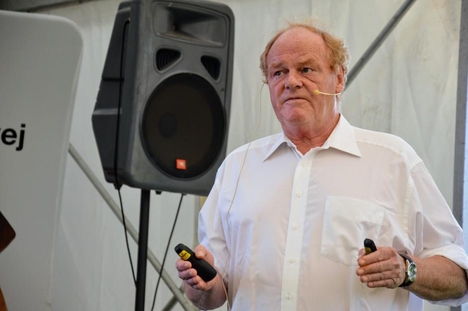 dr Hans Raffel (Niemcy) podczas wykładu fot. HJ
