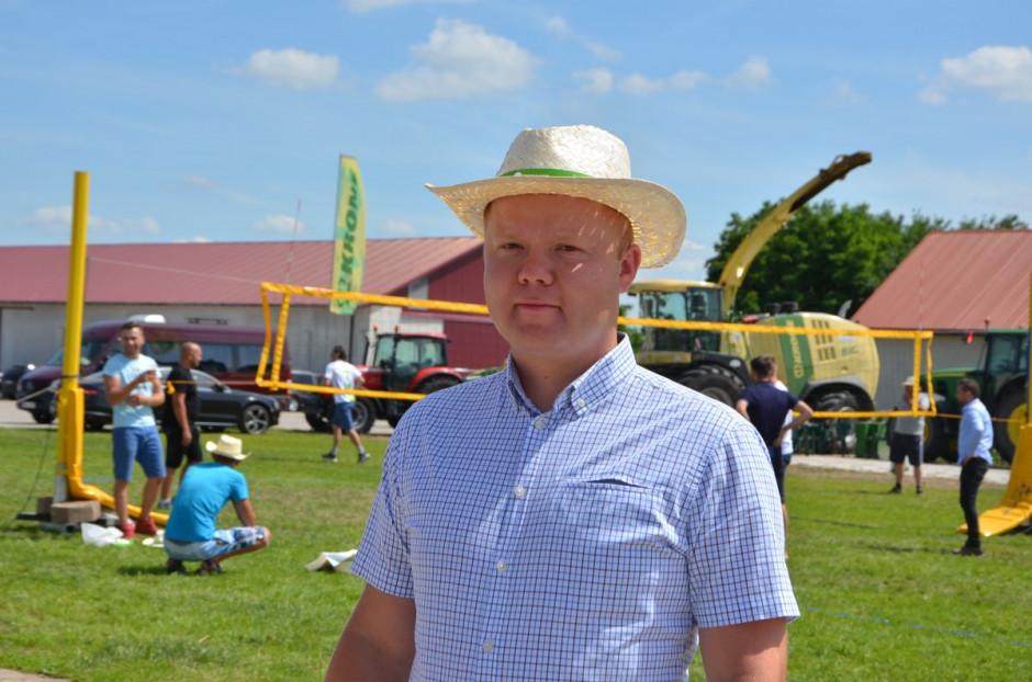 Spotkanie odbyło się 18 czerwca w Gospodarstwie Rolnym Łukasza Roszkowskiego, który pracuje na powierzchni ok. 125 ha, fot. M. Tyszka