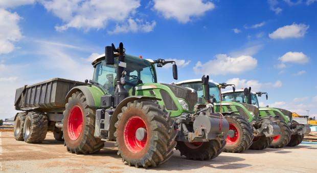 Gdzie Polacy kupują sprzęt rolniczy?