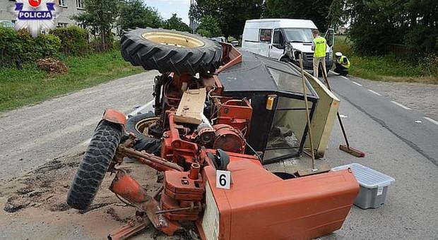 Traktorzysta nie ustąpił pierwszeństwa i trafił do szpitala