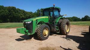 John Deere 8245R współpracuje z 12-metrowym siewnikiem do pszenicy w technologii no-till oraz z 24 rzędowym siewnikiem do kukurydzy, fot. T.Kuchta