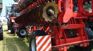 Zużycie paliwa 6 l/ha. Kirowiec K-744R4 i brona talerzowa Lozova Machinery 12 m w akcji