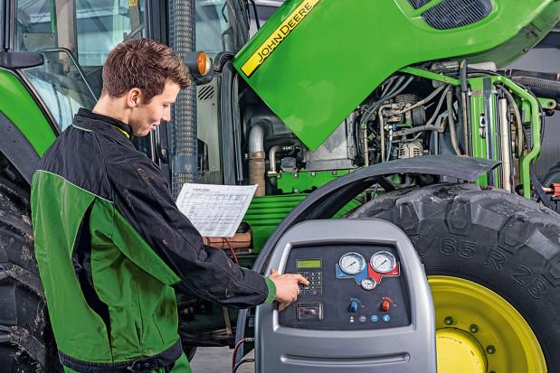 Jak dbać o klimatyzację w maszynie rolniczej?