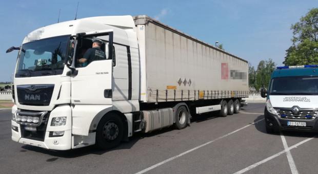 Wyłącznik tachografu w ciężarówce z nawozami