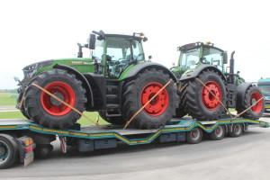 Nowe ciągniki wyjeżdżają uroczyście z fabryki w Marktoberdorf, fot. K.Hołownia