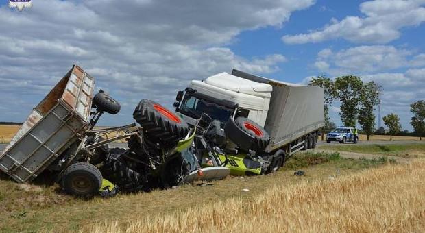 Dwa wypadki z udziałem ciągników rolniczych