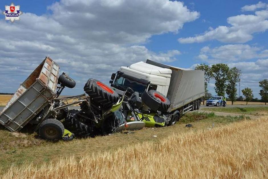 Na Lubelszczyźnie traktor został staranowany przez tira, zdjęcia: Policja