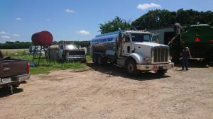 Dostawa paliwa do gospodarstwa Travisa. Farmer nie słyszał o zbiornikach dwupłaszczowych na olej napędowy, fot. T.Kuchta