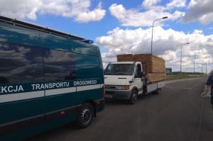 Bus z transportem desek zatrzymany na S8 ważył 10.700 kg Foto: WITD Białystok