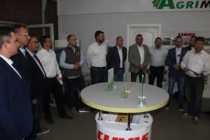 Spotkanie podczas przekazania maszyn w siedzibie firmy Agrimasz w m. Fiszewo, fot.kh