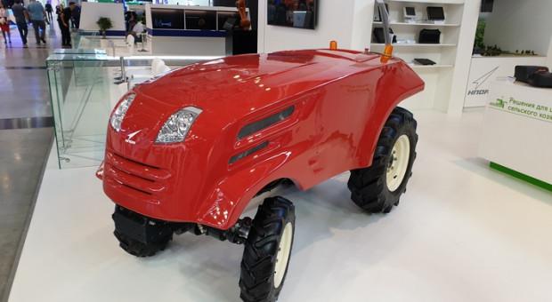 Rosjanie pokazali prototyp bezzałogowego ciągnika