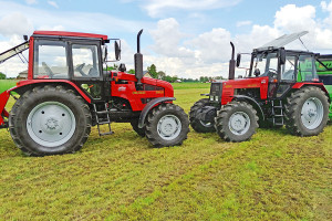 Trwałe i niedrogie - test ciągników Belarus 1221.2 i 1221.3