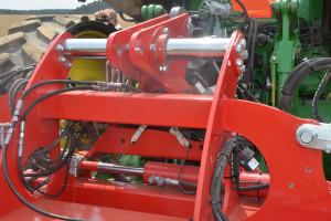 Ciekawą cechą Transformera jest możliwość przesuwu ramy niezależnie od kozła zawieszenia