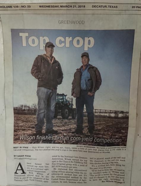 Artykuł w lokalnej gazecie o Travisie i Ricku nt. zwycięstwa w konkursie