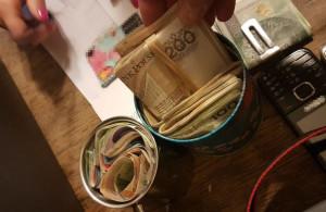 Policjanci w wyniku przeszukań lokali podejrzanych zabezpieczyli m.in. gotówkę