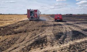 Od maszyny zajęło się pole, spłonęło rżysko i słoma na 6 ha