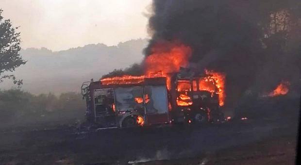 W pożarze zboża spłonął wóz pożarniczy wart ponad milion zł
